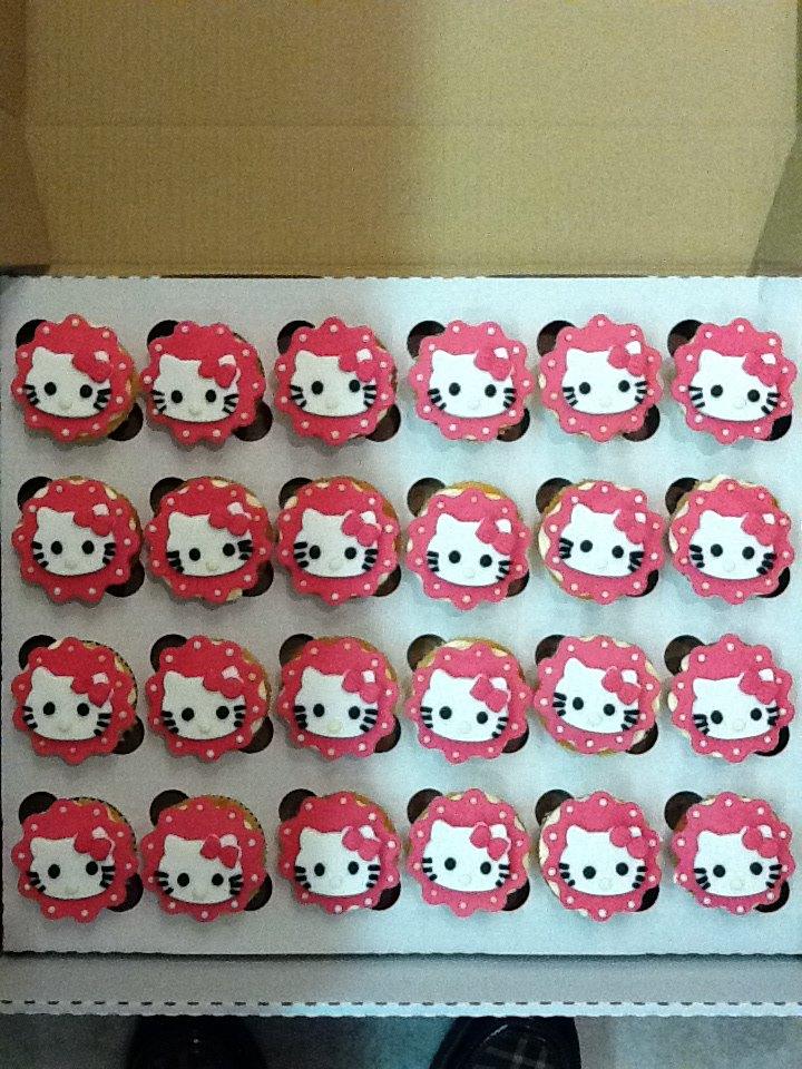 Zxxz Free cupcakes a...