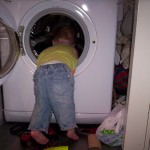 Mummy, let me put on the washing machine – on my own!